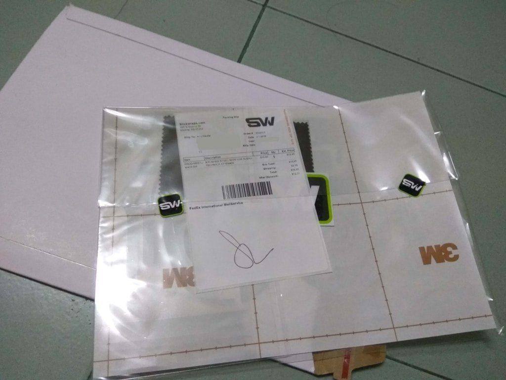 Tampak Belakang Pembelian Skin Metal Series ATH M40X Slickwraps